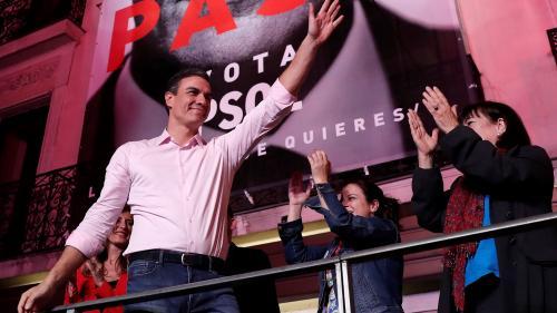 Espagne : le Premier ministre socialiste Pedro Sanchez remporte les législatives sans majorité absolue, le parti d'extrême droite Vox entre au Parlement