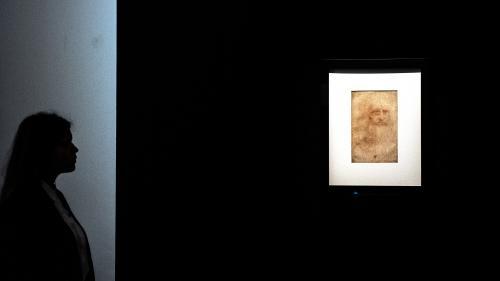Italie : une mèche de cheveux de Léonard de Vinci exposée pour la première fois