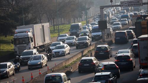 """Limiter la vitesse à 50 km/h sur le périphérique parisien permettrait """"de pacifier la circulation et la conduite"""""""