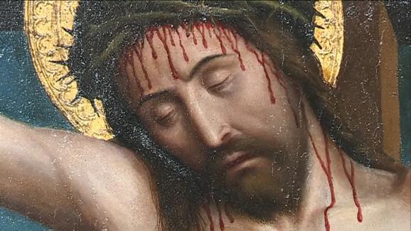 Les couleurs et les détails de ce Christ en croix révélés par la restauration.