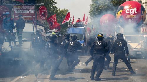 """""""Venez voir les impacts de grenades sur la camionnette"""" : les syndicats dénoncent la """"pression policière"""" lors du 1er-Mai à Paris"""