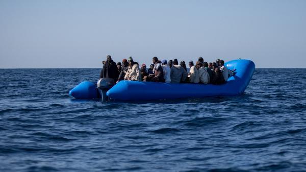 Eurozapping : naufrage de migrants en Méditerranée ; Boris Johnson affronte une nouvelle tempête