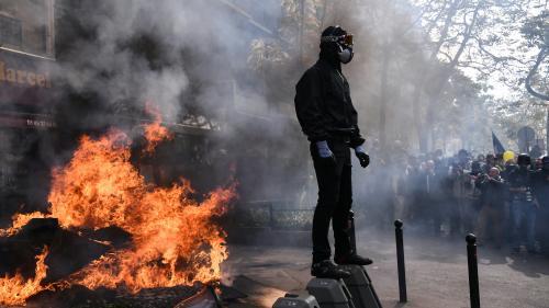 VIDEO. Heurts, dégradations... Retour sur une journée sous tension lors du défilé du 1er-Mai à Paris