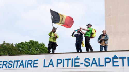 """Intrusion à la Pitié-Salpêtrière : """"On a eu droit de nouveau à un mensonge d'État"""", accuse David Dufresne"""