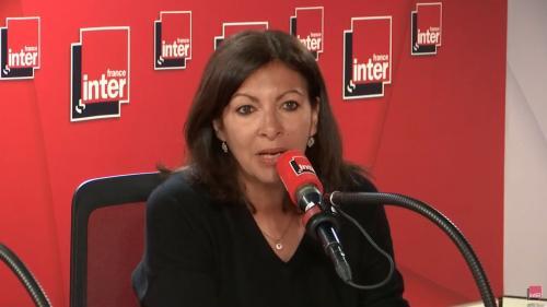 """Abaissement de la vitesse à 50 km/h sur le périphérique parisien : la maire de Paris Anne Hidalgo se dit """"assez favorable"""""""