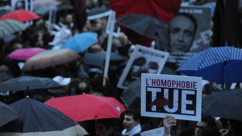 Paris : une enquête ouverte après l'agression du secrétaire général de l'association Stop Homophobie