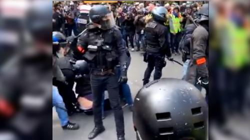 1er-Mai : la justice ouvre une enquête après la diffusion d'une vidéo montrant un policier qui introduit sa matraque dans le pantalon d'un manifestant, l'IGPN saisie