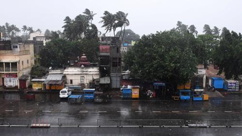 Inde : le cyclone Fani touche terre dans l'est du pays