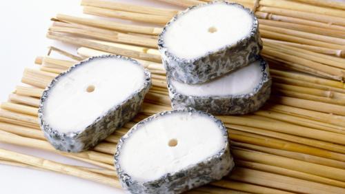 Des fromages de chèvre vendus en grandes surfaces rappelés après la découverte d'une bactérie