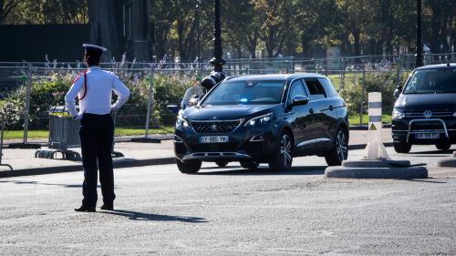 Un chauffeur d'Emmanuel Macron convoqué devant la justice après avoir échappé à un contrôle de police
