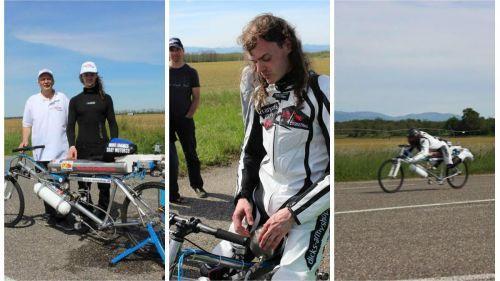 """Un hommage à """"l'homme-fusée"""", recordman mondial de vitesse sur vélo-fusée, mort il y a un an"""