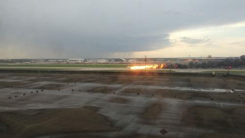 Atterrissage meurtrier à Moscou : la Russie n'envisage pas de clouer au sol les avions Soukhoï Superjet-100