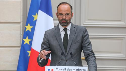 """Edouard Philippe assure que le """"pouvoir d'achat moyen"""" va progresser de """"850 euros par an par ménage"""" cette année"""