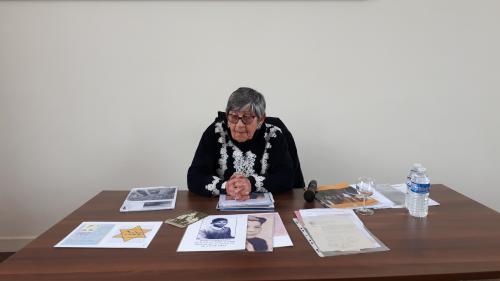 """""""À partir de maintenant, vous êtes notre mémoire"""" : Ginette Kolinka, rescapée de la Shoah, part à la rencontre des jeunes"""