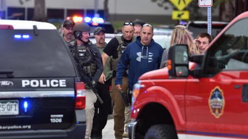"""Etats-Unis : une fusillade dans une école du Colorado fait un mort et plusieurs blessés, dont certains """"dans un état critique"""""""