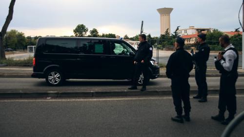 VIDEO. Prise d'otages à Blagnac : les images de l'interpellation du suspect