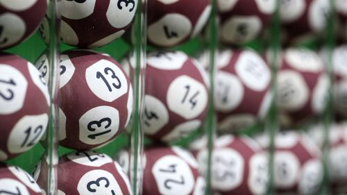 Euromillions : un Français remporte 25 millions d'euros et devient le premier gagnant de l'hexagone cette année   https://www.francetvinfo.fr/faits-divers/jeux-casino/euromillions-un-francais-gagne-25-millions-d-euros-et-devient-le-premier-gagnant-de-l-he