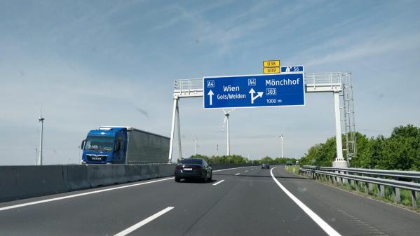 Sur les routes de l'Europe. L'Autriche s'attaque à l'anonymat sur internet