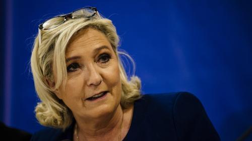 """Emmanuel Macron """"devra partir si effectivement il perd cette élection européenne"""", déclare Marine Le Pen"""
