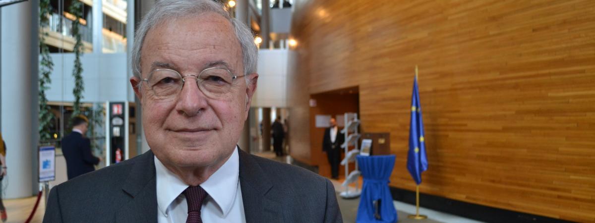 Alain Lamassoure, au Parlement européen à Strasbourg (Bas-Rhin), le 17 avril 2019 lors de la dernière session plénière de la mandature 2014-2019.