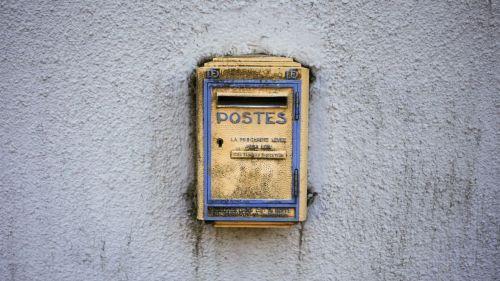 Savoie : elle reçoit une carte postale de sa fille... envoyée il y a cinquante ans