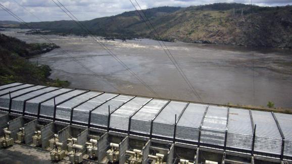 Vue générale du barrage d'Inga sur le fleuve Congo.