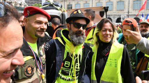 """DIRECT. """"Gilets jaunes"""" : de premières tensions à Nantes, l'un des points de ralliement nationaux, où 2 200 personnes manifestent"""