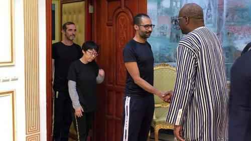 """L'un des ex-otages français au Burkina Faso présente ses """"condoléances"""" aux familles des deux soldats morts pour les """"libérer de cet enfer"""""""