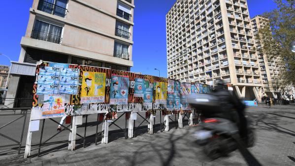 Elections européennes : à Marseille, polémique entre La France insoumise et la mairie autour des panneaux électoraux