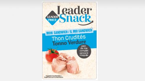 Des sandwichs thon crudités qui pourraient contenir des bouts de plastique retirés de la vente