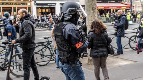 """""""Gilets jaunes"""", heures sup, sous-effectif… Le quotidien harassant d'un jeune policier parisien"""