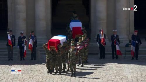 DIRECT. Soldats tués au Burkina Faso : les cercueils arrivent dans la cour d'honneur. Regardez la cérémonie d'hommage aux Invalides