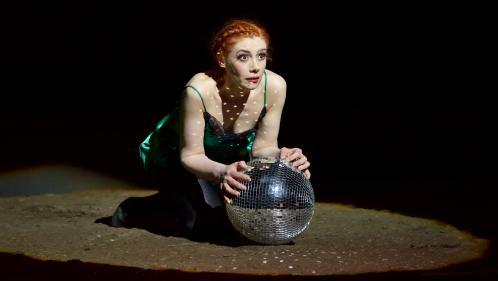 """Patricia Petibon, émouvante """"Manon"""" de Massenet dans une mise en scène d'Olivier Py... très Py !"""