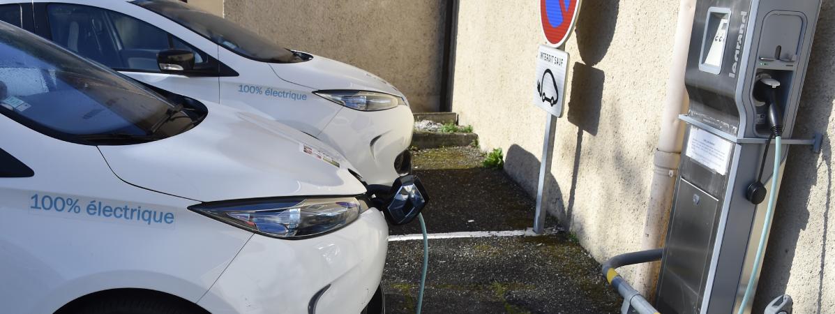 Consommation : le délicat recyclage des batteries de voitures électriques