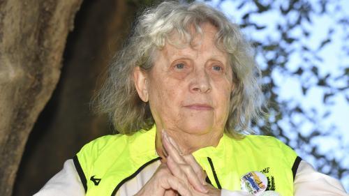 """""""Gilets jaunes"""" : la militante Geneviève Legay, qui avait été blessé lors d'une manifestation à Nice, est de retour chez elle après deux mois à l'hôpital"""