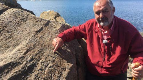 Inscriptions sur la roche à Plougastel-Daoulas : déjà 2 000 dossiers déposés pour percer le mystère (et toucher la prime de 2 000 euros)