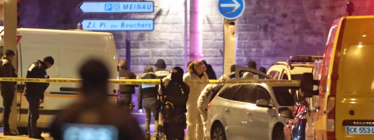 La police scientifique dans la rue du Lazaret dans le quartier de Neudorf, où a été abattu Cherif Chekatt par la brigade spécialisée de terrain (BST), à Strasbourg, le 13 décembre 2018.