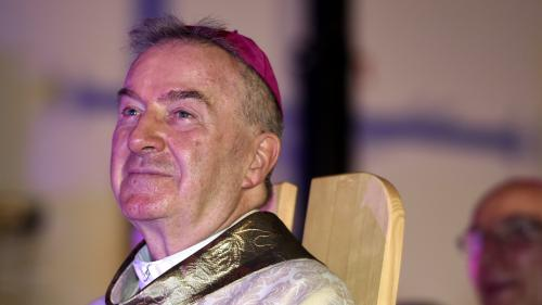 Le représentant du Vatican en France, accusé d'agressions sexuelles, bientôt confronté à ses accusateurs