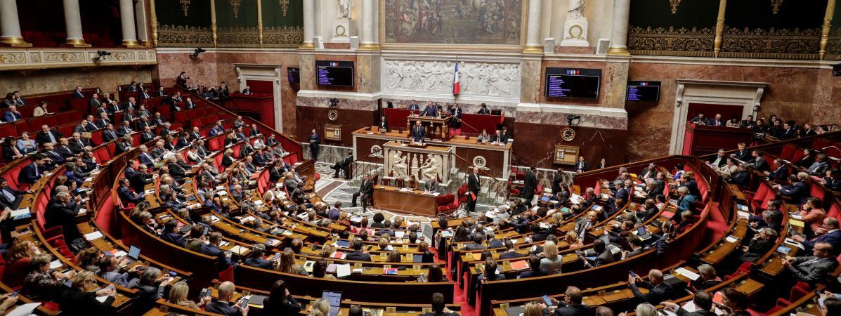 """Le Premier ministre Edouard Philippe s\'adresse aux députés à propos du \""""grand débat national\"""", le 9 avril 2019 à l\'Assemblée nationale."""