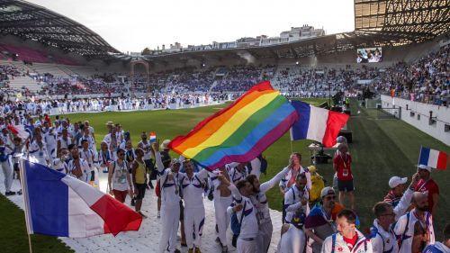 """""""Je ne pourrai pas jouer avec un capitaine homosexuel"""" : l'homophobie dans le sport, un match loin d'être gagné"""