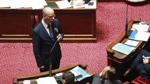Loi école: le Sénat supprime le regroupement collège-école, sans opposition du ministre de l'Education