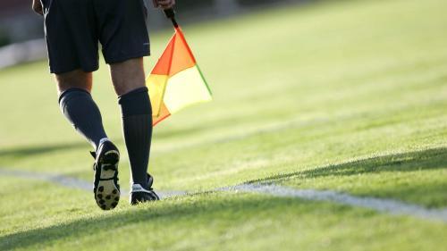 Nice : un éducateur sportif d'un club de football amateur suspendu 20 ans pour avoir agressé un arbitre
