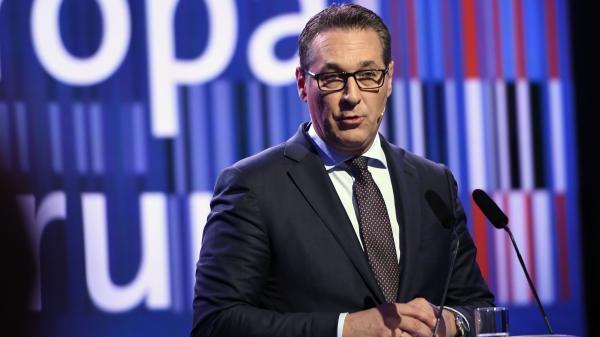 Autriche : le vice-chancelier et leader de l'extrême droite démissionne en plein scandale