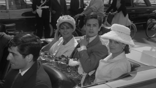 Alain Delon et Cannes : des rapports mouvementés depuis des décennies