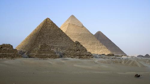 Egypte : au moins 17 blessés dans l'explosion d'un car de touristes près du Caire