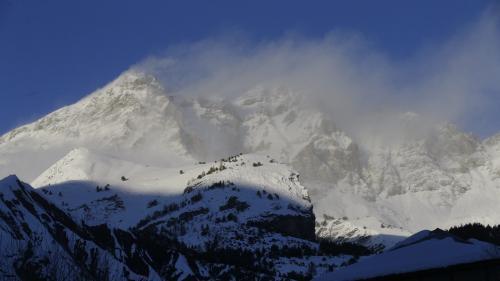Alpes-Maritimes : deux skieurs emportés par une avalanche, un disparu