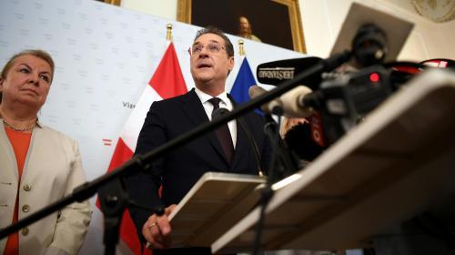"""Autriche : on vous explique """"l'affaire d'Ibiza"""" qui torpille l'extrême droite et le gouvernement"""