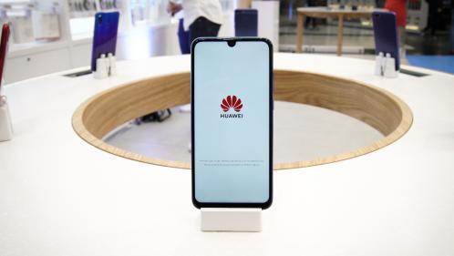 Google suspend ses relations avec la marque chinoise de smartphones Huawei, utilisatrice de son système Android
