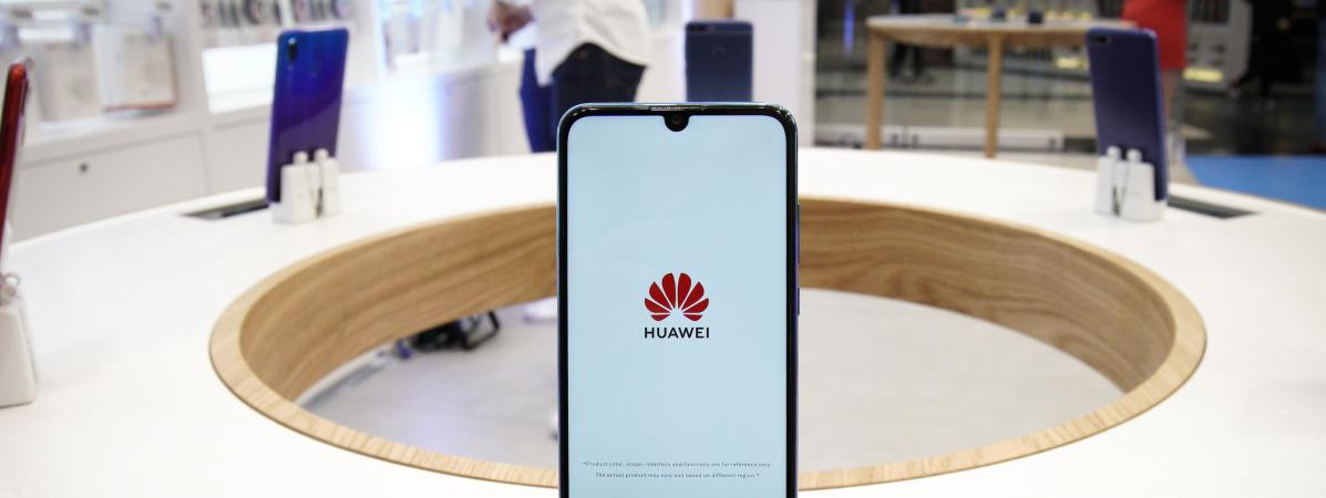 Google suspend ses relations avec la marque chinoise de smartphones Huawei, utilisatrice de son système Android et cible de l'administration américaine