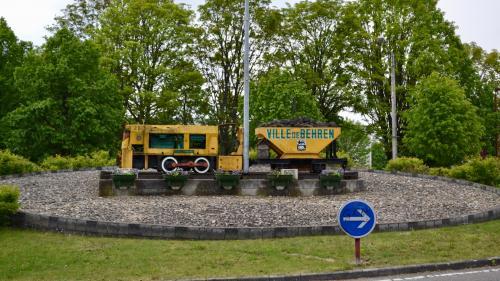 """""""Ici, l'Europe est à la fois proche et lointaine"""": Behren-lès-Forbach, ville frontalière de l'Allemagne et championne de l'abstention"""